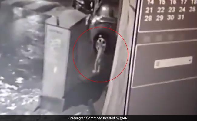 On CCTV, 2-Year-Old Slips Into Mumbai Drain As He Walks Alone At Night