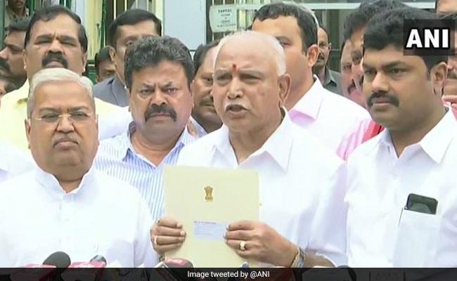 राज्यपाल से मिलकर बीएस येदियुरप्पा ने सरकार बनाने का दावा पेश किया, आज शाम 6 बजे लेंगे शपथ