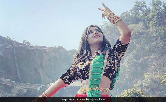 भोजपुरी एक्ट्रेस काजल राघवानी के जन्मदिन पर फैंस का धमाल, किसी ने काटा केक तो किसी ने दिया खास तोहफा: देखें Video