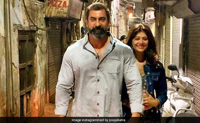 Pooja Batra's Pic With'Man Crush Nawab Shah Will Make You Go Aww