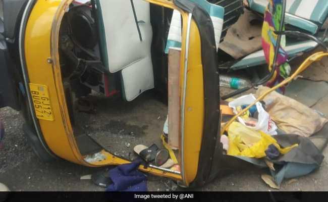 दिल्ली में बस ने तीन वाहनों को टक्कर मारी, महिला की मौत, चार जख्मी