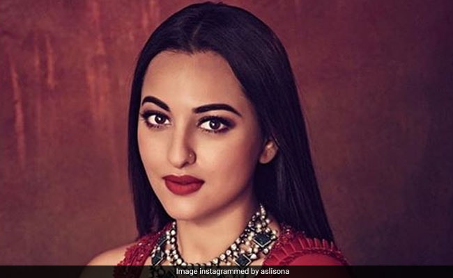 UP Police Visits Actress Sonakshi Sinha's Mumbai Home For Inquiry In Cheating Case