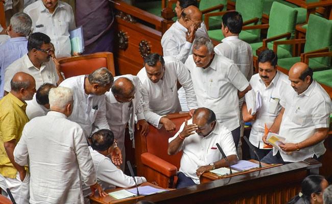 चार दिन तक विश्वास मत पर वोटिंग में 'देरी' भी नहीं आई काम, कुमारस्वामी नहीं बचा पाए सरकार, अब BJP पेश करेगी दावा, 10 बड़ी बातें