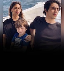 Suhana, AbRam, Aryan Chilling Like Villains In Gauri's Fave Maldives Pic