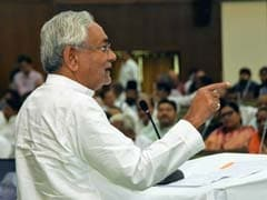 Nitish Kumar's <i>Chai Pe Charcha</i> With Lalu Yadav's Party Leader Causes Buzz