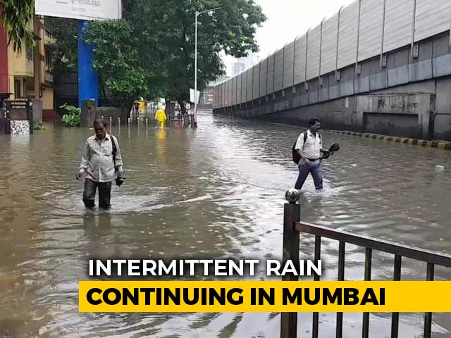 Video : Essential Services Continues Even As Heavy Rains Bring Mumbai To Halt