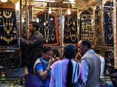 Gold Prices Rise Marginally To Rs 38,995
