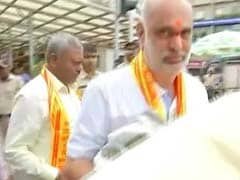 4 Rebel Lawmakers From Karnataka Visit Siddhivinayak Temple In Mumbai