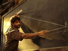 <I>Super 30</i> Box Office Collection Day 3: The Math Works Out For Hrithik Roshan's Film With 'Excellent' 50 Crore Weekend