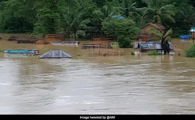 असम: 8 लाख से ज्यादा लोग बाढ़ से प्रभावित, खतरे के निशान से ऊपर बह रही नदियां, 6 लोगों की मौत