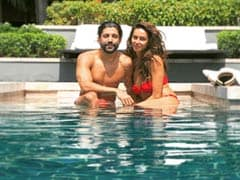 'Pool Heads' Farhan Akhtar And Shibani Dandekar Are Living Their Best Lives In Thailand