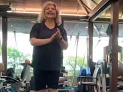 Super 30 की कामयाबी पर ऋतिक रोशन की मम्मी ने किया कुछ ऐसा, एक्टर बोले- सिर्फ एक मां ही...देखें Video
