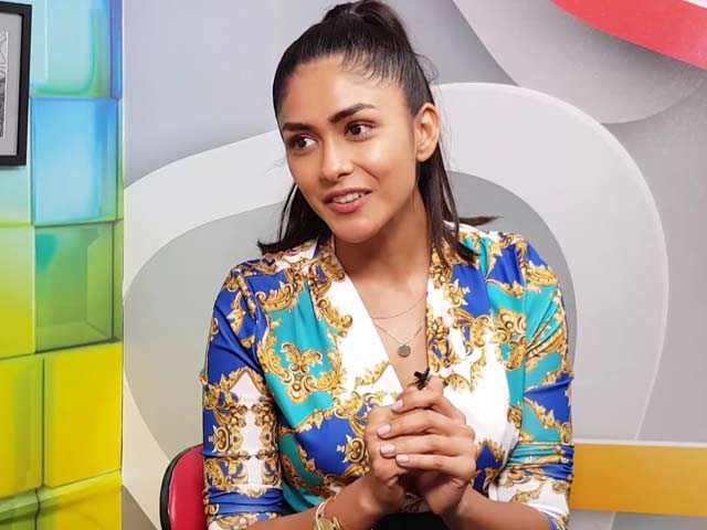 Mrunal Thakur On Her Latest Film Super 30 And More