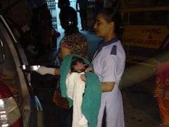 दिल्ली पुलिस की पीसीआर में महिला ने दिया बच्ची को जन्म