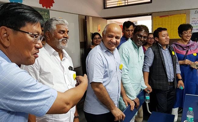 MP और पुदुचेरी के शिक्षा मंत्रियों ने किया दिल्ली के सरकारी स्कूलों का दौरा, कहा- केजरीवाल सरकार ने शिक्षा में अच्छा काम किया