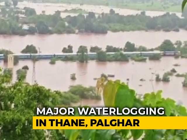 Video : Choppers, Boats Rescue Hundreds From Train Stuck Near Mumbai After Rain