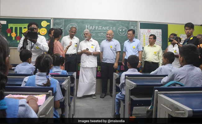 Education Ministers Attend Happiness Class In Delhi
