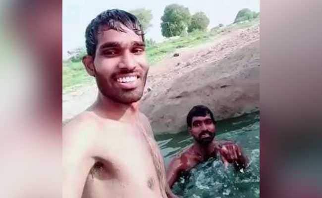 'TikTok' के चक्कर में नदी में डूब गया शख्स, भाई बनाता रहा VIDEO