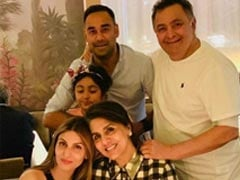Inside Neetu Kapoor's Birthday Dinner With Rishi Kapoor, Riddhima, Samara And Bharat Sahni