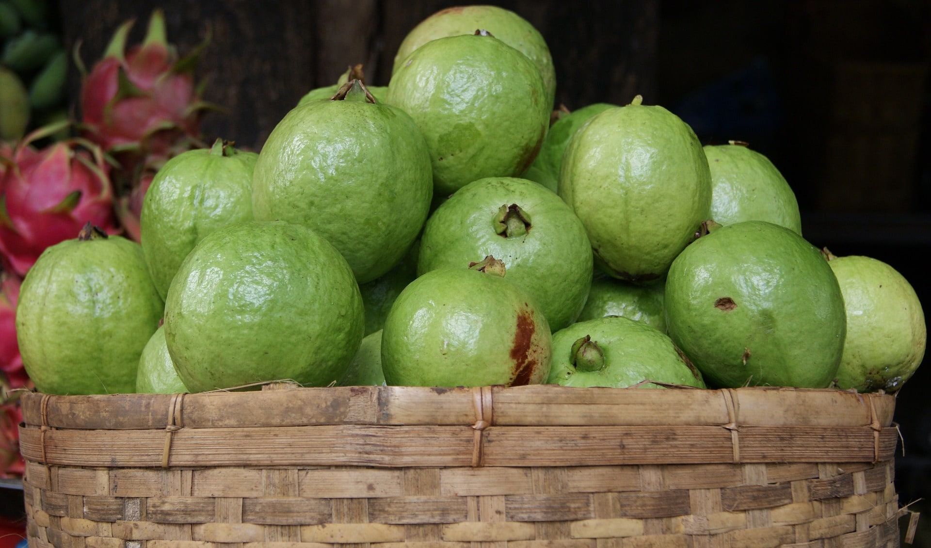 Nutrients Rich Food: What Is The Health Benefits Of Guava Fruit And Leaves? Guava Benefits For Acidity, And Stomachache