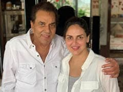 Dharmendra And Esha Deol Are A Happy Father-Daughter Duo In This Pic