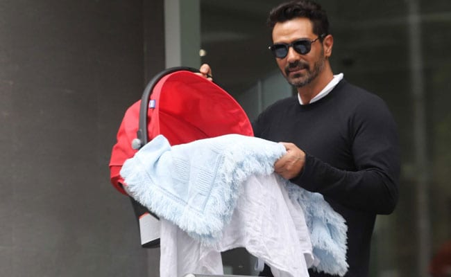 Pic: When Arjun Rampal Held His Newborn Son's Hand For The First Time