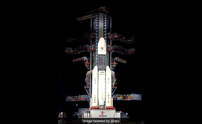 Chandrayaan-2 Updates: चंद्रयान 2 मिशन की लॉन्चिंग किसी तकनीकी कारणों से टाली गई, इसरो ने कहा - अगली तारीख का जल्द होगा ऐलान