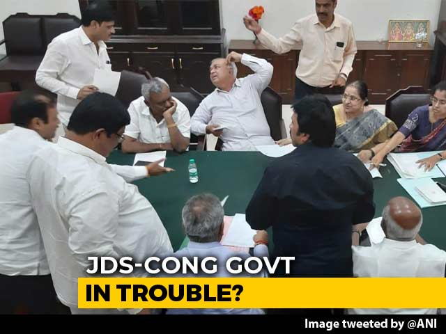 Video : Karnataka Government In Crisis, 11 Lawmakers Submit Resignations