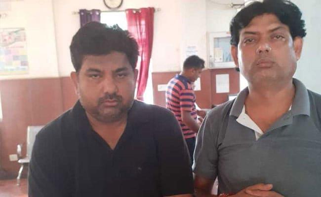 प्रतिबंधित दवाएं बेचने वाले मेडिकल स्टोर्स पर छापा, दो गिरफ्तार
