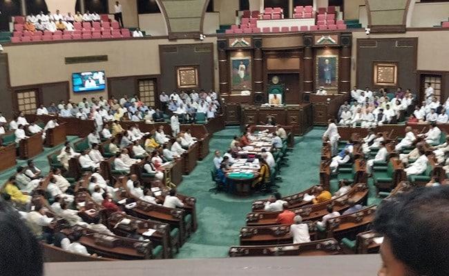 मध्यप्रदेश में बीजेपी को बागी विधायकों पर कार्रवाई की जल्दी नहीं, बन रही रणनीति