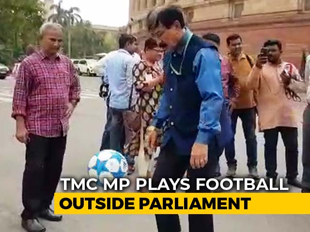 Video : In A Unique Protest, Trinamool Lawmaker Plays Football Outside Parliament