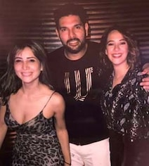 Kim Sharma's Pic With Rumoured Ex Yuvraj And Hazel Is 'Good Vibes Only'
