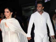 If Deepika Padukone's Holding Hands Post Doesn't Turn You Into Mush, You Might Be Dead Inside