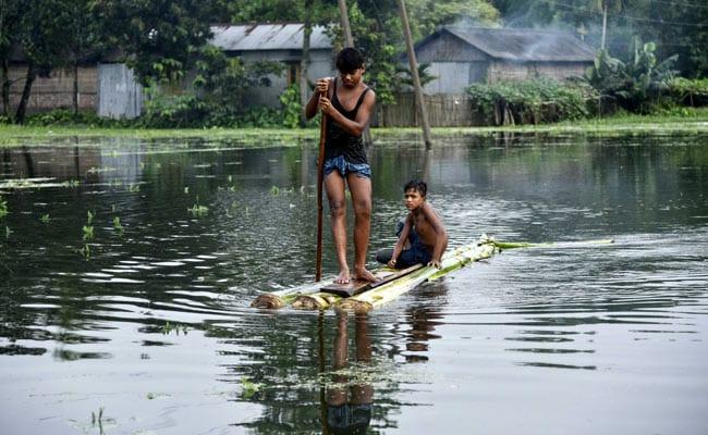 भारी बारिश के बाद असम में बाढ़ का कहर, 15 लाख लोग प्रभावित, कम से कम 7 लोगों की मौत