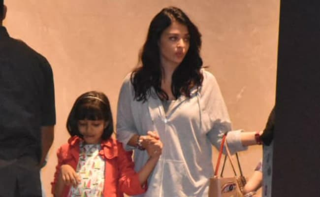 Aaradhya's Weekend Began Early With Aishwarya And Abhishek Bachchan At Family Dinner