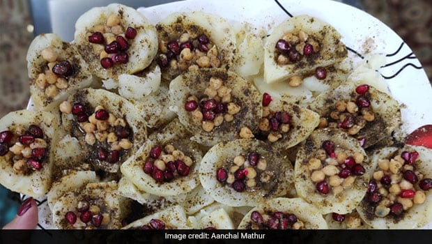 Ever Heard of Kulle Ki Chaat? This Delectably Loaded Fruit-Vegetable Chaat Is A Must-Try In Delhi