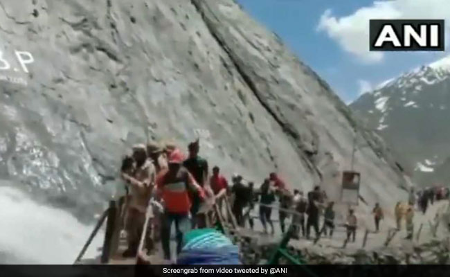 Watch: ITBP Forces Form Wall On Narrow Path To Shield Amarnath Pilgrims