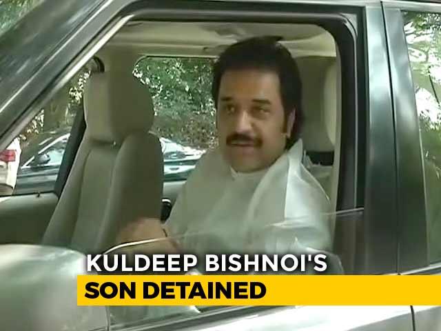 Video : Congress Leader Kuldeep Bishnoi's Son Detained After Tax Raids