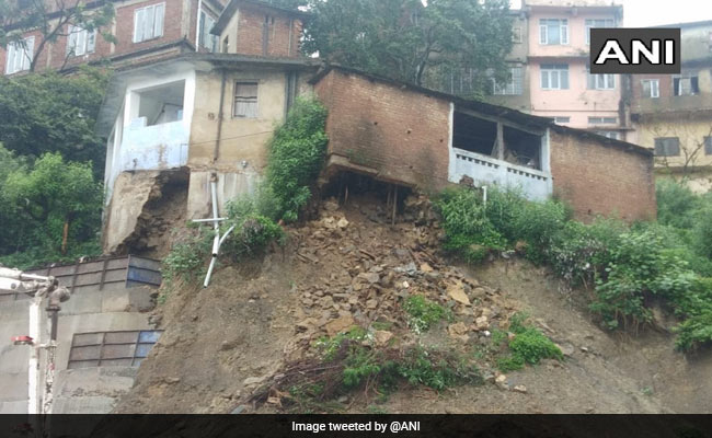 Massive Mudslide Block Chandigarh-Shimla Highway