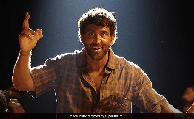 Super 30 Celeb Review: Hrithik Roshan Is 'Beyond Outstanding' As Anand Kumar