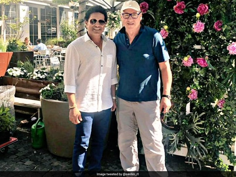 Sachin Tendulkar Shared A Picture With British Singer Mark Knopfler