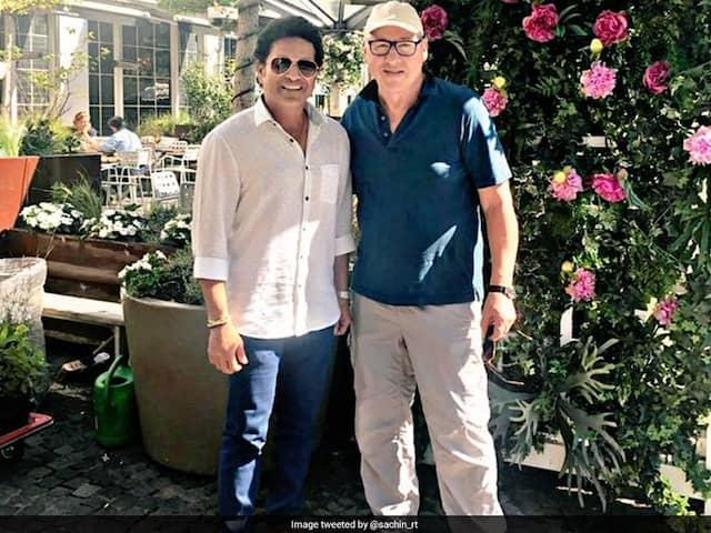 Sachin Tendulkar Shared A Picture With British Singer Mark Knopfler