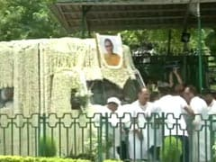 Sheila Dikshit's Body Brought To Congress Office; Last Rites On Riverbank