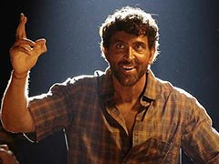 <i>Super 30</i> Celeb Review: Hrithik Roshan Is 'Beyond Outstanding' As Anand Kumar