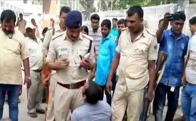 बिहार: पशु चोरी के शक में तीन लोगों को भीड़ ने पीट-पीटकर मार डाला