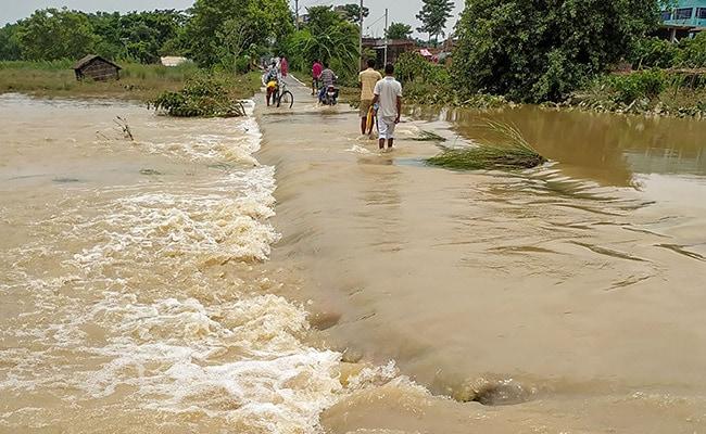 बिहार में बाढ़ की स्थिति गंभीर, 13 जिलों के 88 लाख लोग प्रभावित, अब तक 127 की मौत