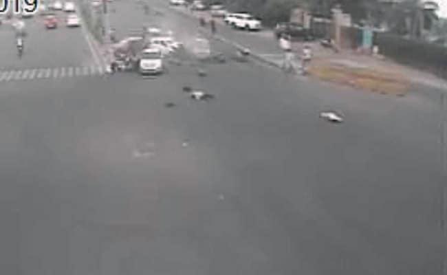 Speeding Car Rams Vehicles At Jaipur Traffic Signal, 2 Brothers Dead