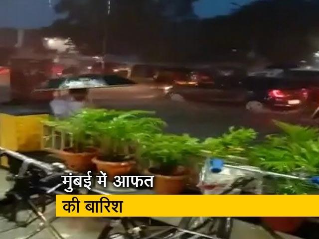 Videos : सिटी सेंटर: बारिश से परेशान हुए मुंबई वासी, असहिष्णुता पर बंटा बॉलीवुड