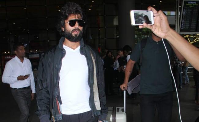 Jab Arjun Reddy Star Vijay Deverakonda Met Mumbai Paps: 'What Is This Hadavidi, Man?'