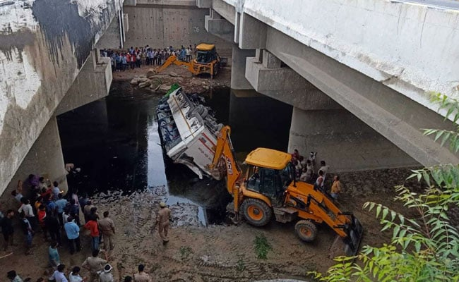 29 Dead After Bus Skids Off Yamuna Expressway Near Delhi, 17 Injured